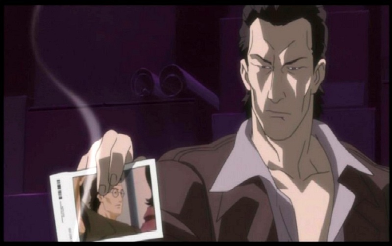 Ghost in the Shell - Paz holding a pic