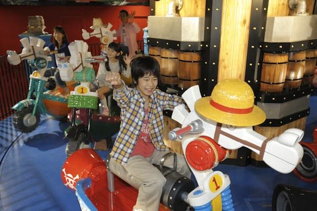 J-World Tokyo One Piece White Horse Carousel