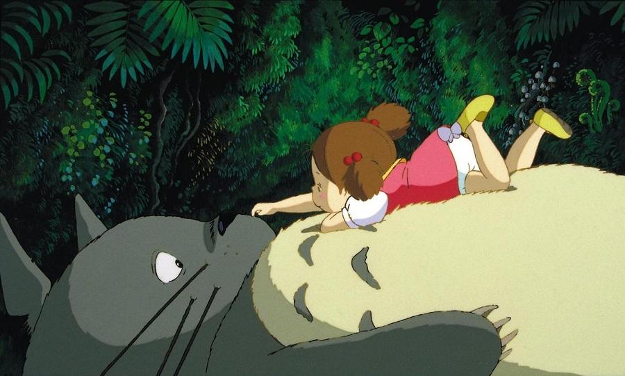 Tonari no Totoro - Satsuki and Totoro in long grass Best Anime Movies to Kick-Start 2016
